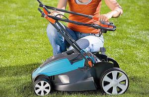 Как подстричь газон